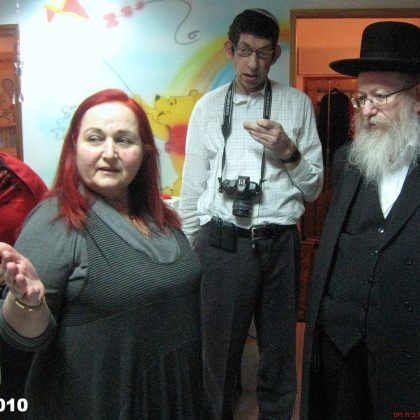 """ביקור סגן שר הבריאות הרב יעקב ליצמן בעמותת """"בית חם"""" בחיפה – 28.12.2010"""